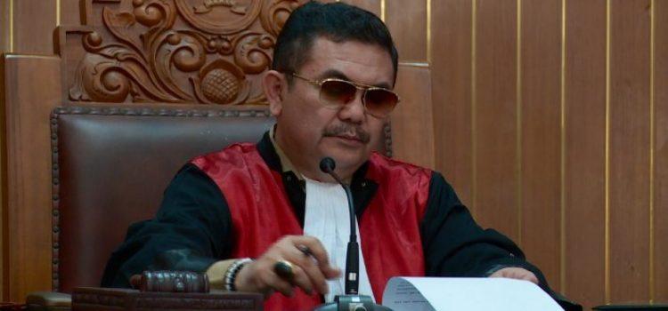 """Inkonsistensi Pertimbangan Hakim Dalam Putusan Praperadilan """"Kasus Century"""""""